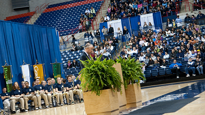 Uconn Welcomes Admitted Students At Open House Uconn Today