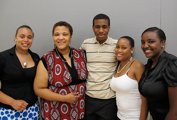 <p>(Left to Right): Stephany Santos, Asa's mom (Ariel), Asa Powell, Danica Chin, Huiam Mubarak. Photo provided by the School of Engineering</p>