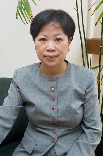<p>Carolyn Lin, professor of communications science. Photo by Daniel Buttrey</p>