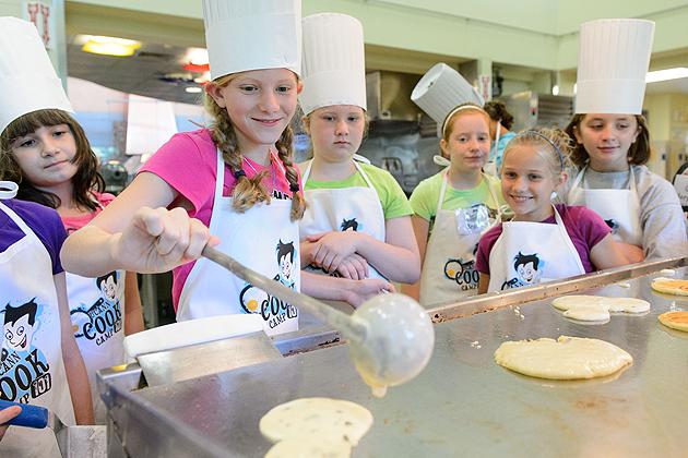 Pancakes are always a popular breakfast item. (Peter Morenus/UConn Photo)