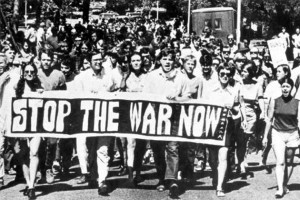 Florida State University students protest the Vietnam War. In his latest book, Steve Nelson Ph.D. '96 says the 1960s to mid-'70s was the most difficult for college presidents in the history of higher education in America. (Wikimedia Commons Photo, copyright State Library and Archives of Florida, The Florida Memory Project)