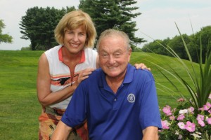 Laura and Mark Yellin at last year's UConn Cancer Research Golf Tournament at the Tumble Brook Country Club in Bloomfield. (Ira Nozik for UConn Foundation)