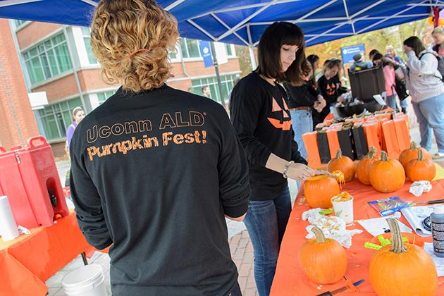 In anticipation of Halloween, Alpha Lamda Delta hosted Pumpkinfest on Fairfield Way. (Ariel Dowski '14(CLAS) /UConn Photo)