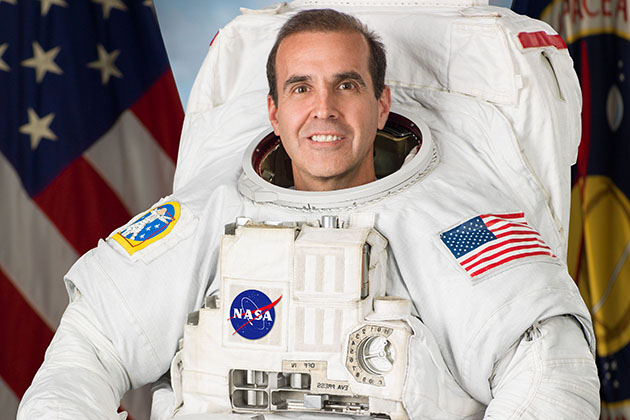 NASA astronaut and UConn alumnus Rick Mastracchio '82 (ENG) is making his fourth trip to the International Space Station. (photo/Robert Markowitz)