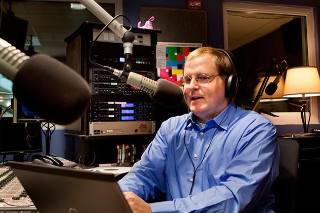 Professor Jeffrey McCutcheon in the studio. (Chris LaRosa/UConn Photo)