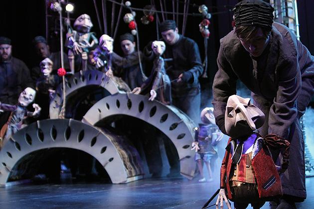 "Puppeteer Sarah Nolan with ""Rat"" (Gerry Goodstein Photo)"