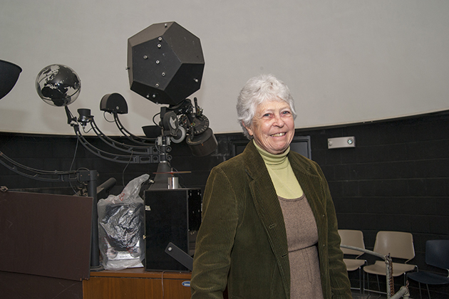 Peterson has taught classes and public outreach sessions in the UConn Planetarium for the past 45 years. (Sean Flynn/UConn Photo)
