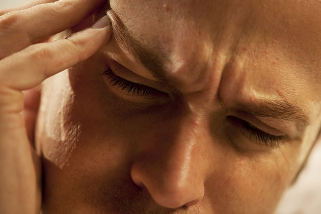 A man experiencing pain. (iStock Photo)